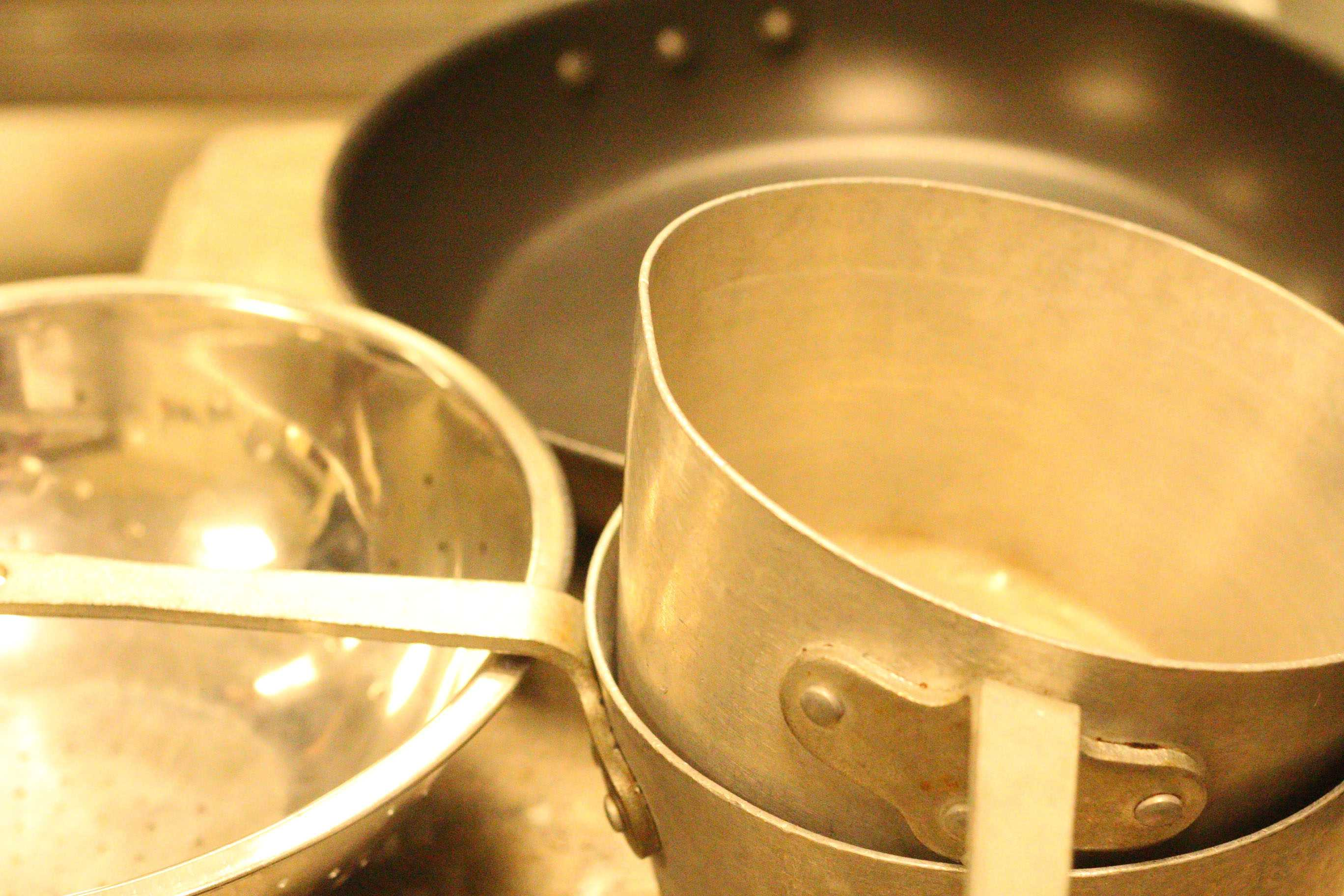 Pots and pans, used for the dinner of Thanksgiving.
