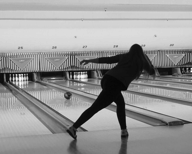 Lizzy Miles bowling Source: Cara Surrett